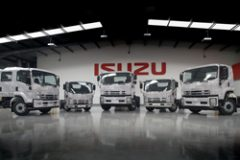 Isuzu goes West