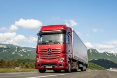 Mercedes-Benz launches New Actros
