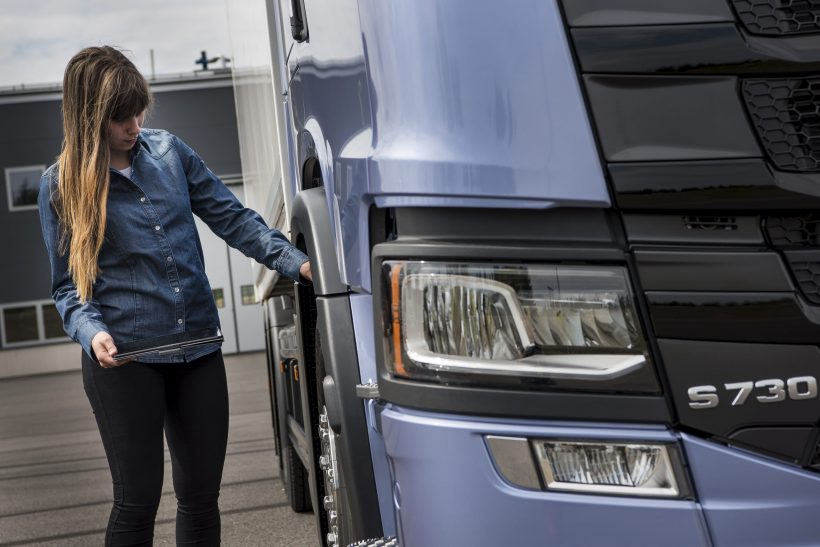 HGV test stats reveal rise in new female drivers