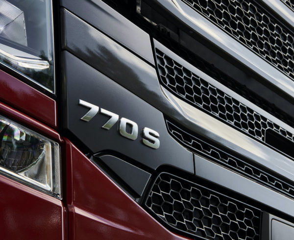 Scania launches 770 bhp V8