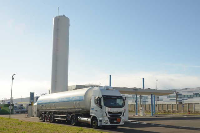 Turin truck filling station receives biomethane supplies