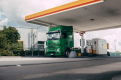 Digital fuel payments trialled by Mercedes-Benz and Shell