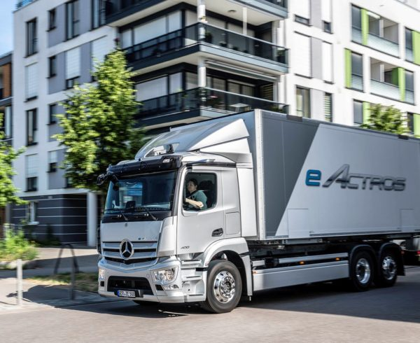 BATTERY POWER FOR THE BIG BOYS: ELECTRIC ACTROS DEBUTS