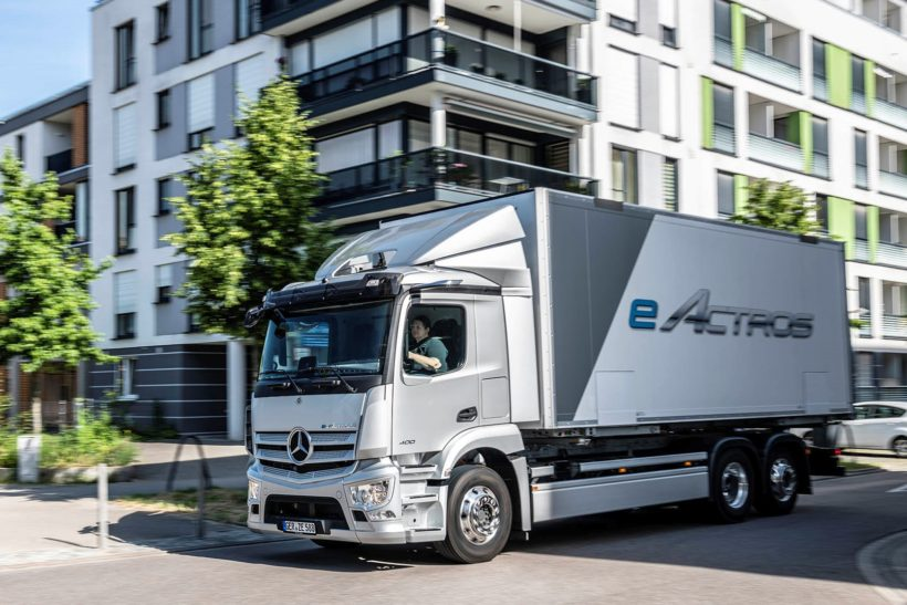 Battery power for the big boys: electric Actros makes its bow