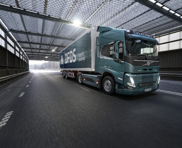 A TON OF TRUCKS FOR DFDS AS IT CHOOSES VOLVO FM ELECTRIC
