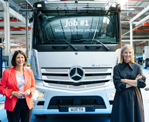 MERCEDES-BENZ SIGNALS START OF PRODUCTION FOR EACTROS